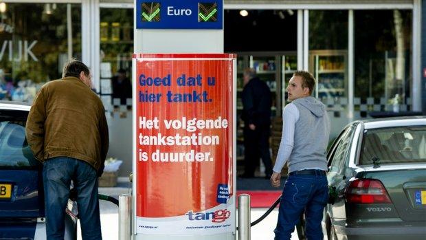 Benzineprijs blijft maar stijgen: hier tank je goedkoop
