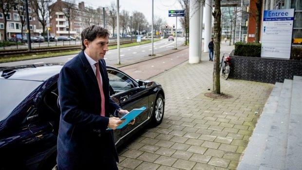Drastische ingreep: kabinet knipt Belastingdienst in drieën