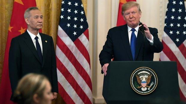 Nieuwe fase handelsoorlog: Trump tekent 'grootste deal ooit' met China