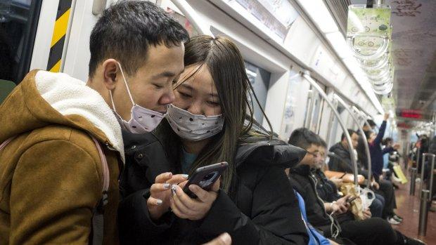 Luchthaven en stations Wuhan dicht om verspreiden virus tegen te gaan