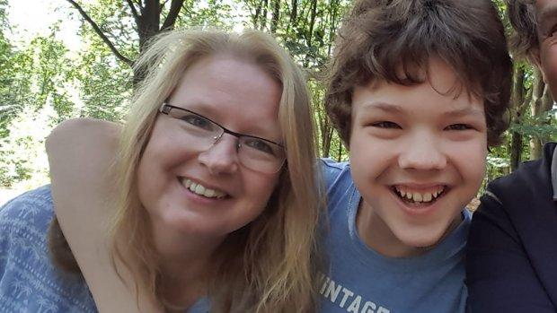 Barbara kan zoon David weken niet zien door corona: 'Moederhart huilt'