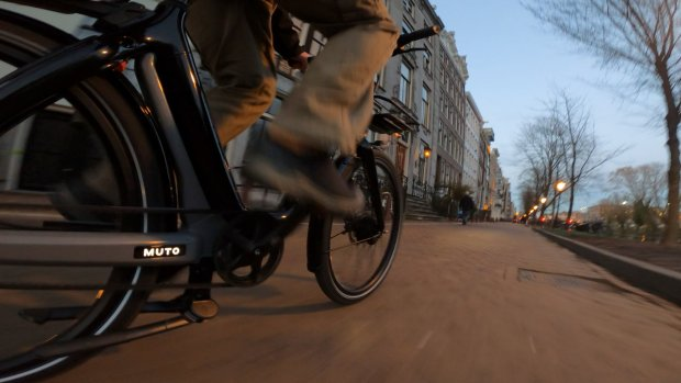 Verkeerslichten blijven op rood: snelle e-bikes niet herkend
