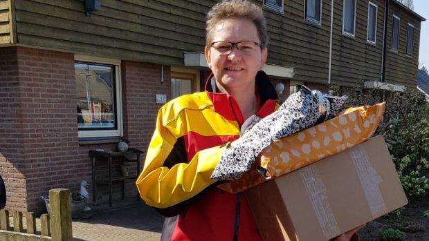 'Drukker dan met kerst', zegt pakketjesbezorger Alieke