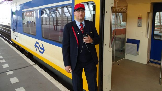 Zij houden Nederland draaiende: 'Ik mis de reizigers', zegt conducteur Roy