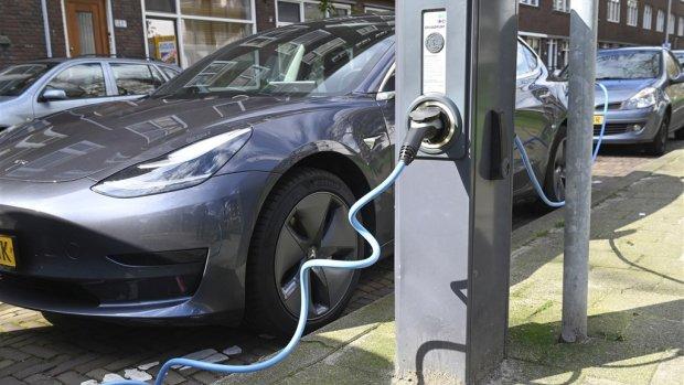 'Nederland telt meer dan 100.000 volledig elektrische auto's'
