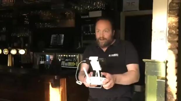 Bedienen op afstand: speciaalbiercafé gaat viral met drone-video