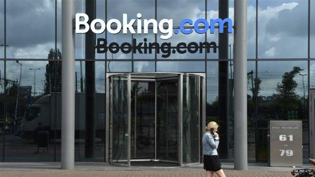 Bedrijf achter Booking.com maakt 699 miljoen verlies door corona