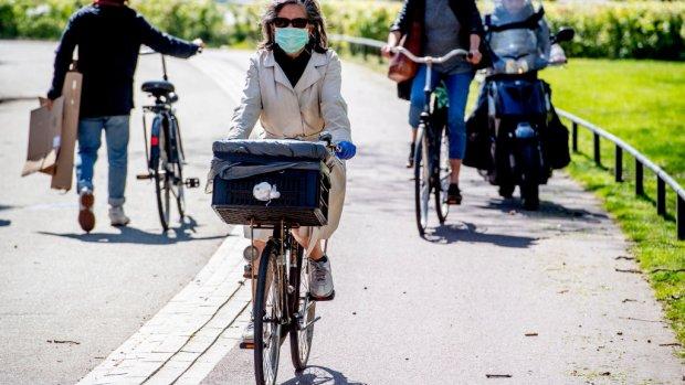 Effect coronacrisis: voorlopig meer met fiets en auto, minder met ov