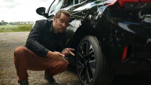 Getest: elektrische Opel Corsa E is van binnen een Peugeot