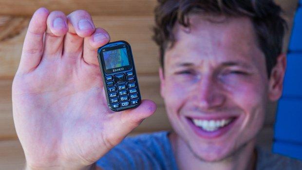 Tips: zo blijf je van je smartphone af op vakantie