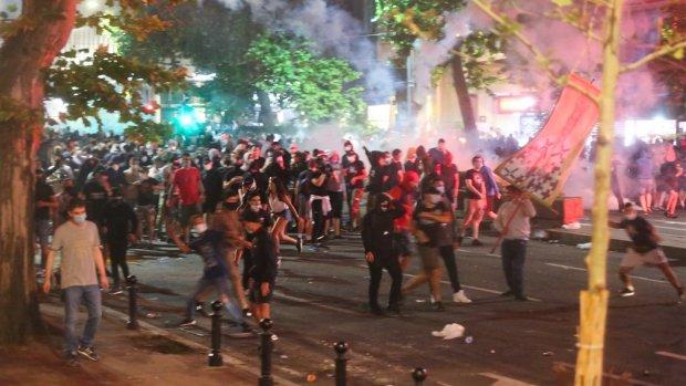 Lockdown Servië van de baan na rellen in hoofdstad