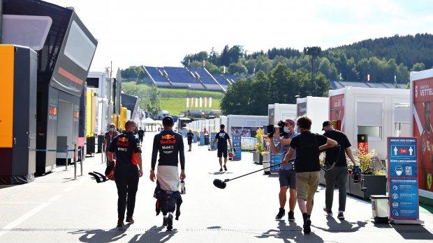 Twee positieve coronatests in Formule 1-paddock