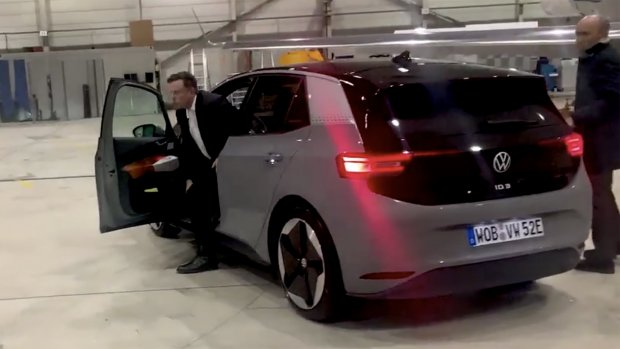 Elon Musk test elektrische Volkswagen samen met VW-ceo