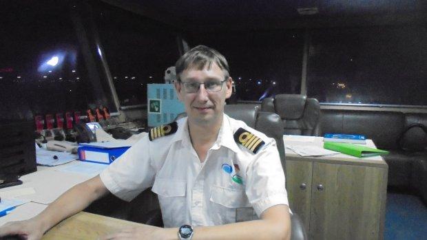 Kapitein Dennis zit vanwege corona al maanden vast op zee
