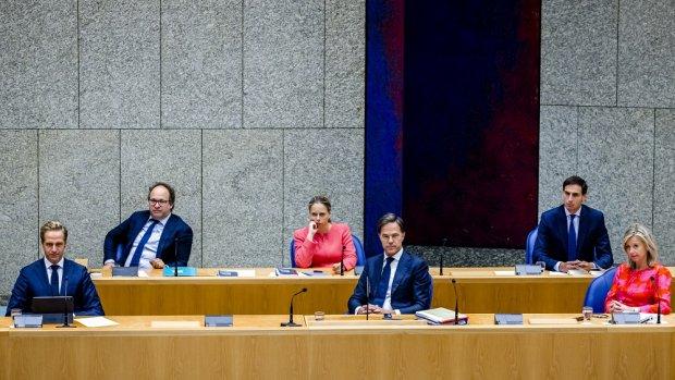 Kamer debatteert met kabinet over begroting in coronacrisis