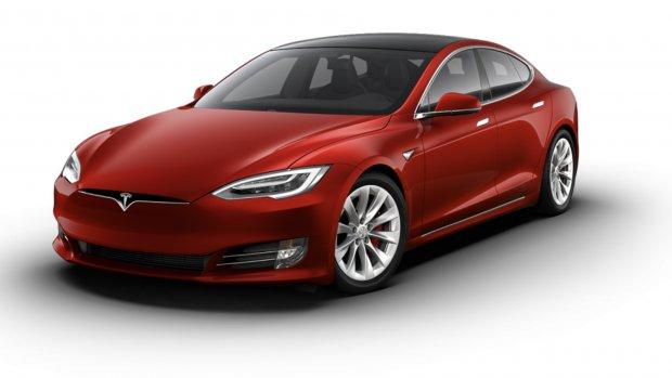 Snellere versie Tesla Model S krijgt 840 km bereik