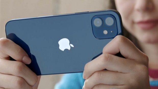 Franse wet verplicht Apple toch oordopjes bij iPhone 12 te leveren