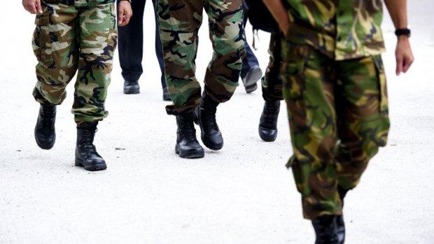 Barakken onbewoonbaar, Defensie brengt militairen onder in hotels