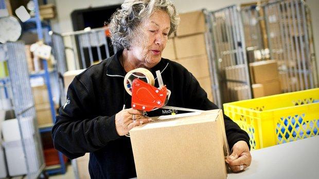 Oudere werklozen helpen? 'Haal geboortedatum van cv'