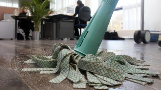 'Helpling mag geen vergoeding meer aan schoonmakers vragen'