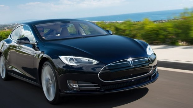 Tesla rijdt minutenlang met slapende bestuurder over snelweg