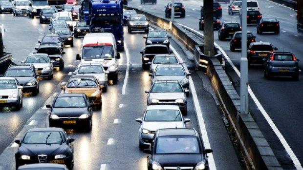 Klaas Dijkhoff: VVD onderzoekt kilometerheffing