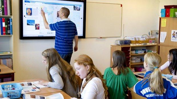 Leraren basis- en voortgezet onderwijs gaan 6 november staken