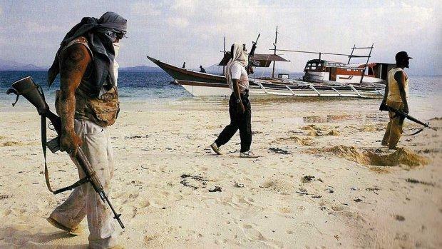 Bewapende beveiligers gaan Nederlandse schepen beschermen tegen piraten
