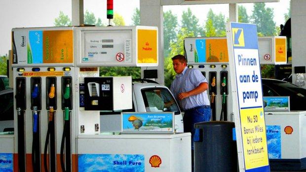 Minder tankstations met premium brandstof