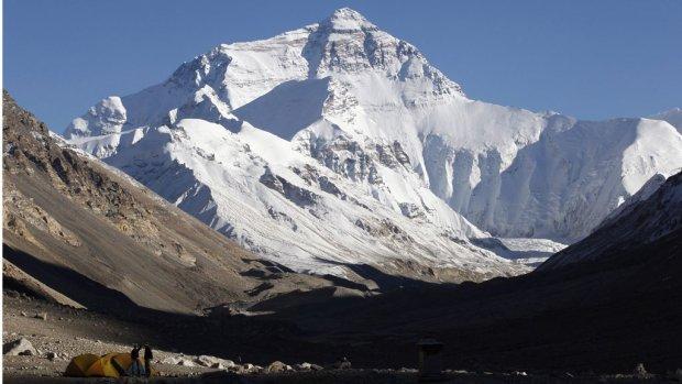 Zware aardbeving: acht doden op Everest na lawine