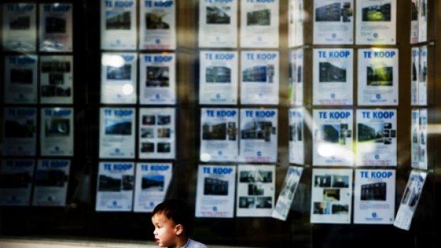 Rijk moet ingrijpen op de woningmarkt en middeninkomens helpen