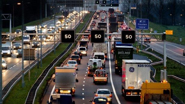 'Stikstofcrisis snel oplossen betekent maximumsnelheid omlaag'