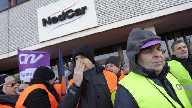 FNV en CNV vechten staakverbod VDL Nedcar aan in spoedberoep