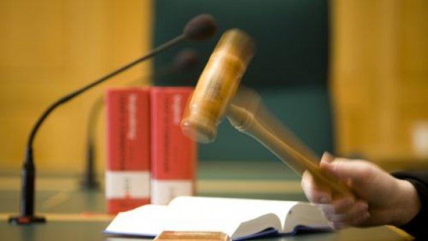 'Lagere straf voor verkrachting om uitzetting te voorkomen'