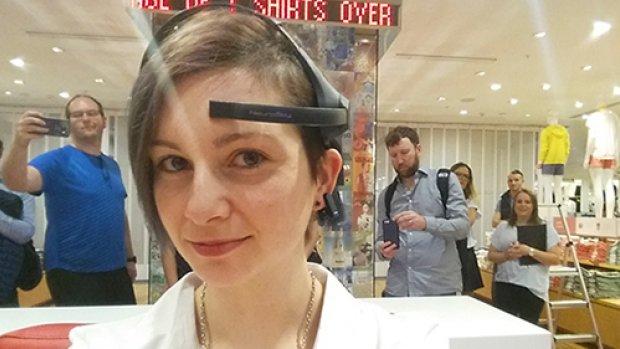 Neuromarketing: hersenscan bepaalt welke shirts bij je humeur passen