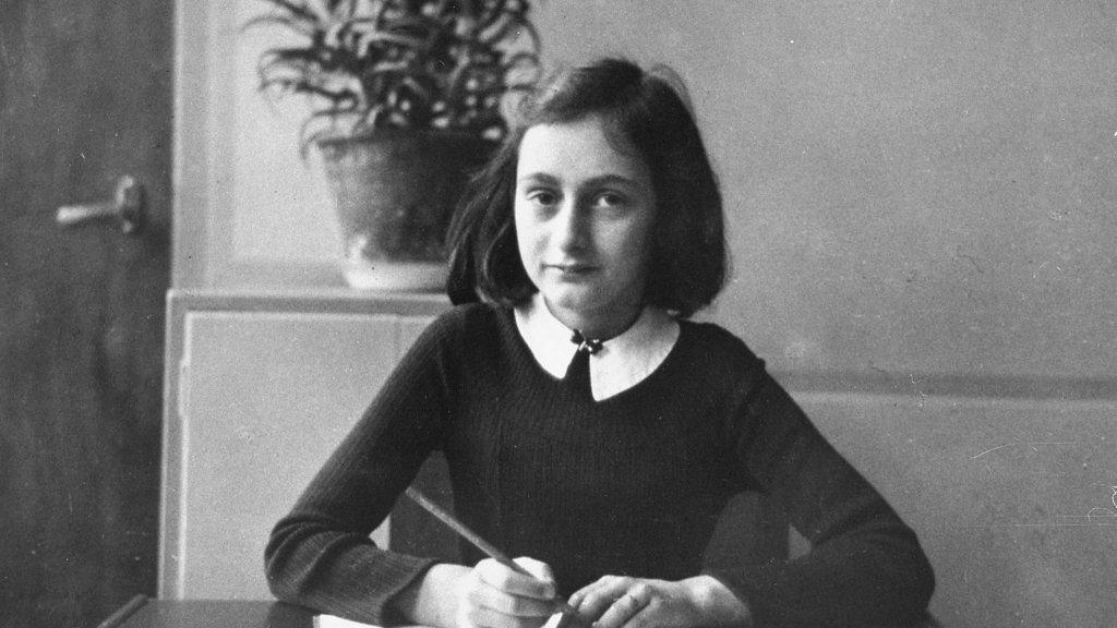 Citaten Uit Dagboek Anne Frank : 70 jaar na auschwitz: tien citaten van anne frank rtl nieuws