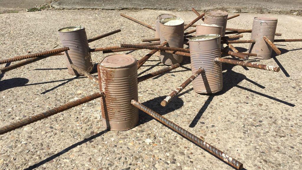 Deze pinnen werden in akkers van Groningse boeren geplaatst.