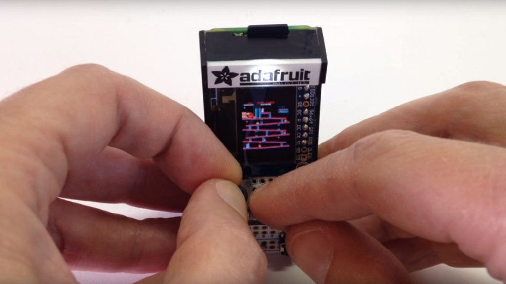 Deze Mini Arcadekast Past In Je Broekzak Bright