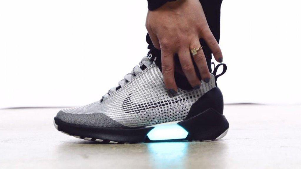 Nike brengt zelfstrikkende schoenen dit jaar nog op de markt