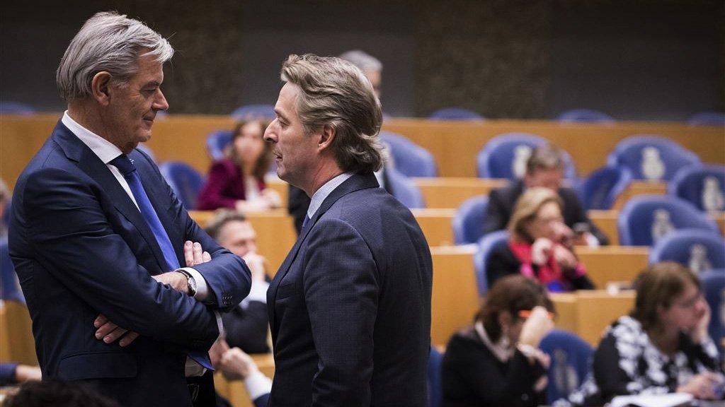 Kamerlid Martin van Rooijen (L) van 50Plus en PVV-Kamerlid Edgar Mulder