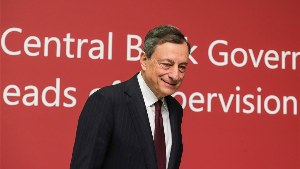 6dc8d89ca70 Mario Draghi voor aanvang van de persconferentie. Beeld © Armando Babani/ANP