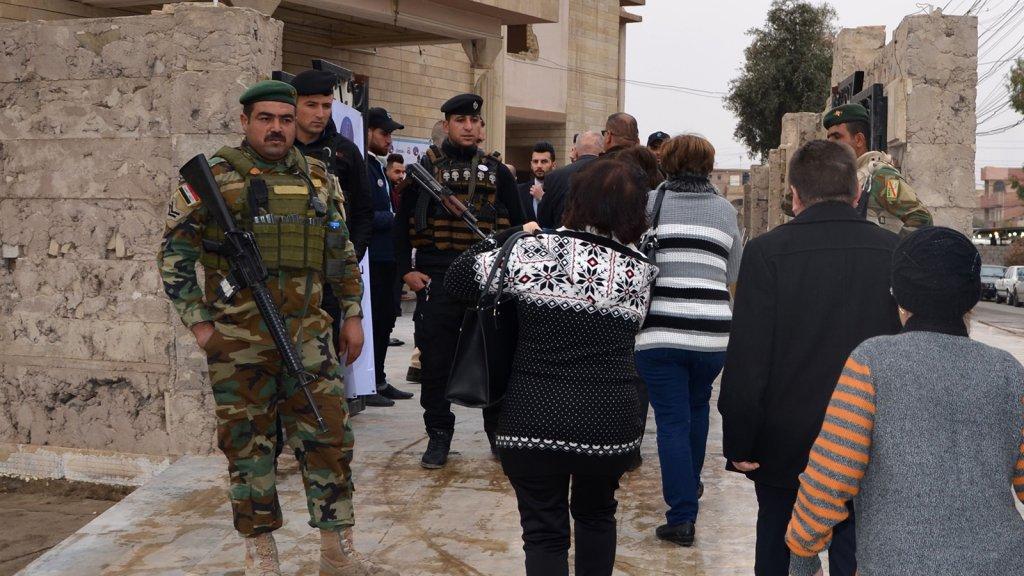 Mosul Viert Weer Kerst Maar Wel Onder Zware Beveiliging Rtl Nieuws