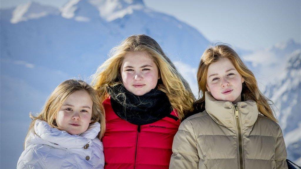 Koninklijke Fotoshoot In Lech Amalia Krijgt Steeds Meer Glamour