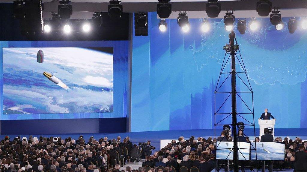 In een bijzonder oorlogszuchtige beleidstoespraak vorig jaar sprak Poetin onder meer over de nieuwe wapens