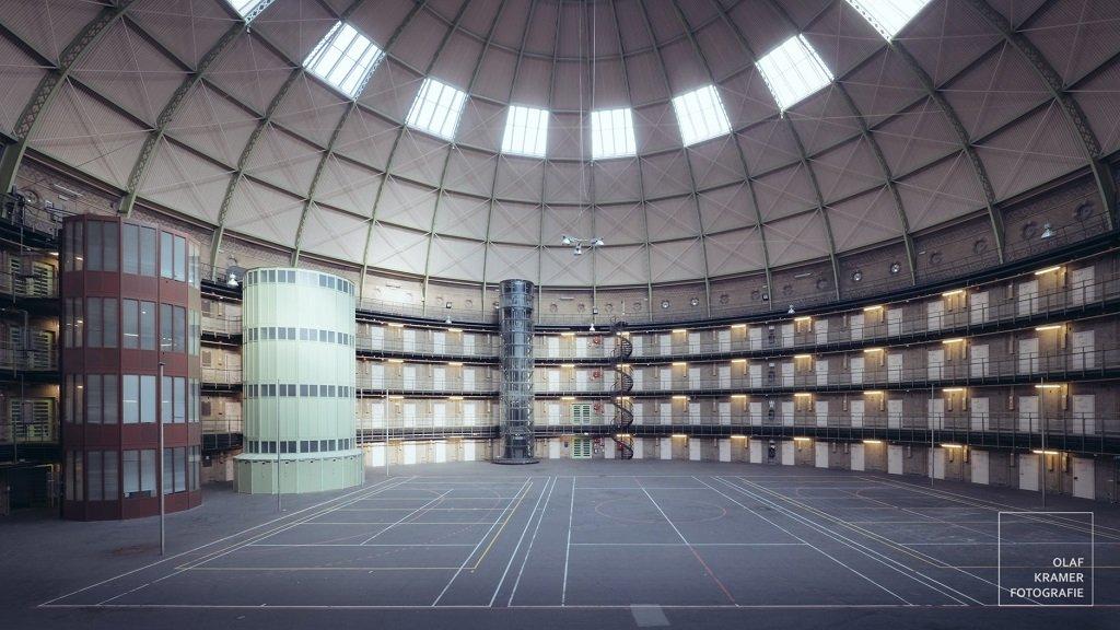 Ondernemers bouwen gevangenis haarlem om tot universiteit for Gevangenis de koepel haarlem