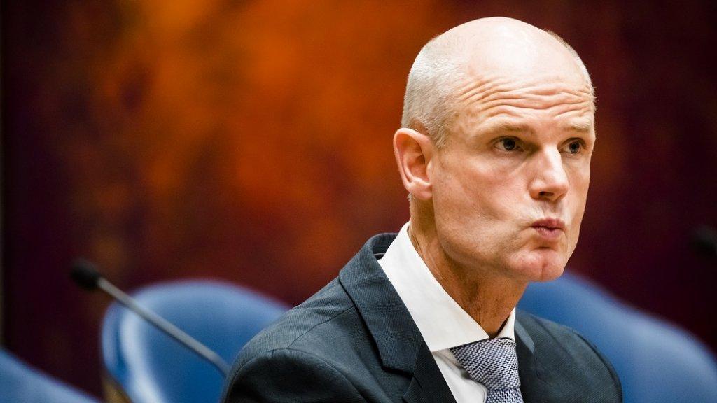 Minister Blok van Buitenlandse Zaken.
