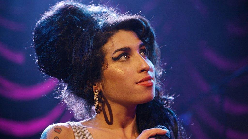 Quiz: weet jij alles over Amy Winehouse?