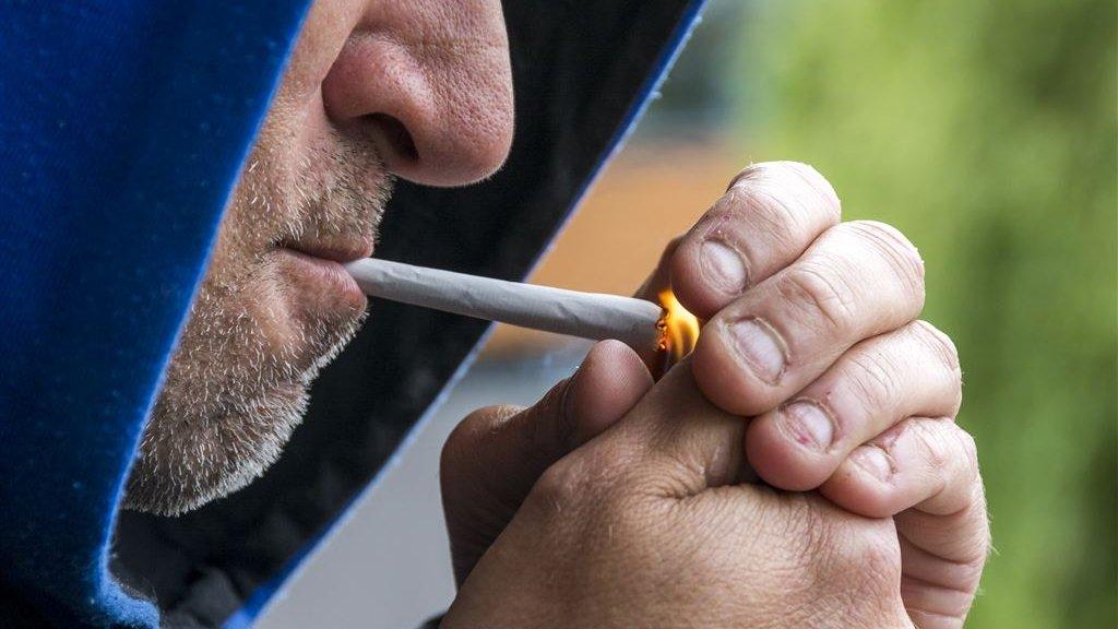 Stoppen Met Roken ٹوئٹر پر Wat Roken Met Je Longen Kan Doen