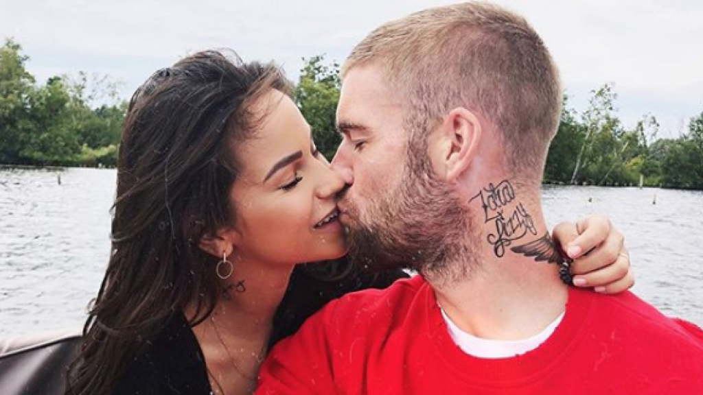 Tattoo dating gratis Franse Canadees dating