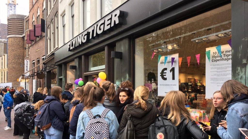 Gekkenhuis Bij Flying Tiger Vandaag Alles Te Koop Voor 1 Euro Rtlz